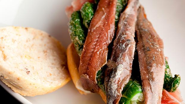 aperitivo anchoas del Cantábrico