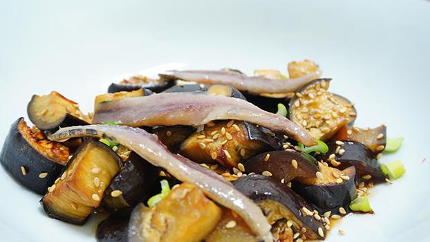 berenjenas al miso con anchoa ahumada