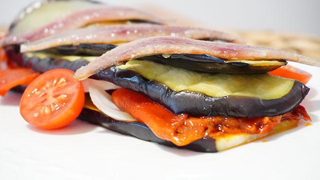 Milhojas verduras anchoa ahumada
