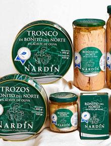 Bodegón bonito del norte en aceite de oliva conservas nardín, bonito del cantábrico