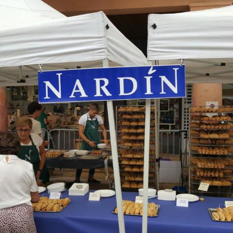 Pintxos de bonito y de anchoa nardín en el día del txakolí en Zarautz